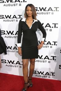 """""""S.W.A.T."""" Premiere 7-30-03Garcelle Beauvais-NilonPhoto By Sam Kweskin - Image 21354_0046"""