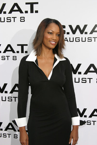 """""""S.W.A.T."""" Premiere 7-30-03Garcelle Beauvais-NilonPhoto By Sam Kweskin - Image 21354_0047"""