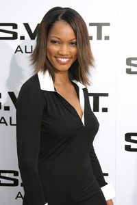 """""""S.W.A.T."""" Premiere 7-30-03Garcelle Beauvais-NilonPhoto By Sam Kweskin - Image 21354_0049"""