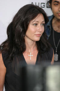 """S.W.A.T."" Premiere 7-30-03 Shannen Doherty Photo By Sam Kweskin - Image 21354_0072"