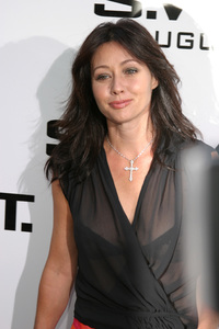 """S.W.A.T."" Premiere 7-30-03 Shannen Doherty Photo By Sam Kweskin - Image 21354_0074"