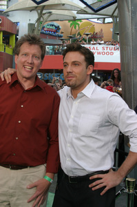 """""""Battle At Shaker Heights"""" Premiere 8-11-03Chris Moore and Ben AffleckPhoto by Sam Kweskin - Image 21404_0046"""