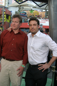 """""""Battle At Shaker Heights"""" Premiere 8-11-03Chris Moore and Ben AffleckPhoto by Sam Kweskin - Image 21404_0053"""
