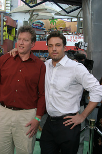 """""""Battle At Shaker Heights"""" Premiere 8-11-03Chris Moore and Ben AffleckPhoto by Sam Kweskin - Image 21404_0054"""