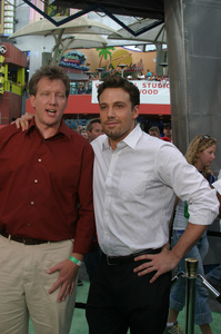 """""""Battle At Shaker Heights"""" Premiere 8-11-03Chris Moore and Ben AffleckPhoto by Sam Kweskin - Image 21404_0060"""