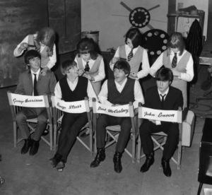 """A Hard Days Night""The Beatles - George Harrison, Ringo Starr, Paul McCartney, John Lennon1964 Proscenium Films/UA**I.V. - Image 21420_0011"