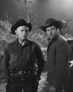 """The Magnificent Seven""Yul Brynner and Robert Vaughn1960 UA**I.V. - Image 21421_0018"