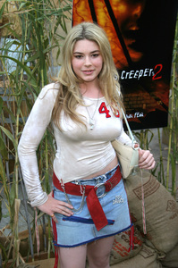 """Jeepers Creepers 2"" Premiere 8-25-03Chea CourtneyPhoto By Sam Kweskin - Image 21434_0015"