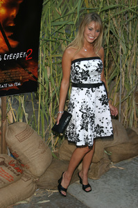 """""""Jeepers Creepers 2"""" Premiere 8-25-03Bobbi Sue LutherPhoto By Sam Kweskin - Image 21434_0071"""