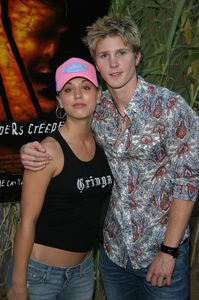 """""""Jeepers Creepers 2"""" Premiere 8-25-03Kaley Cuoco &Thad LuckinbillPhoto By Sam Kweskin - Image 21434_0090"""