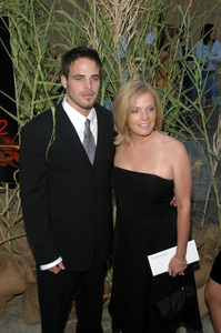 """""""Jeepers Creepers 2"""" Premiere 8-25-03Al Santos with mother NancyPhoto By Sam Kweskin - Image 21434_0115"""