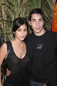 """""""Jeepers Creepers 2"""" Premiere 8-25-03Justin Long and Katie SimpesPhoto By Sam Kweskin - Image 21434_0118"""