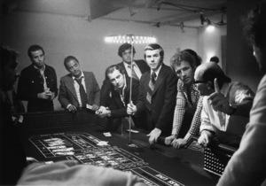 """The Gambler""Paul Sorvino, James Caan, director Karel Reisz1974 Paramount Pictures** I.V. - Image 2145_0039"