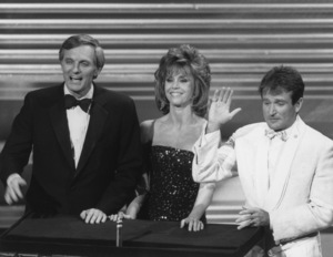 """Academy Awards: 58th Annual""Alan Alda, Jane Fonda, Robin Williams1986**I.V. - Image 21464_0003"