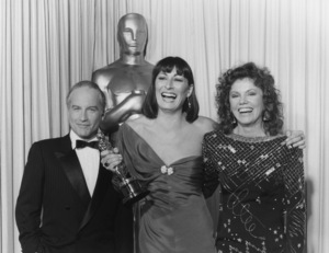 """Academy Awards: 58th Annual""Richard Dreyfuss, Anjelica Huston, Marsha Mason1986**I.V. - Image 21464_0004"