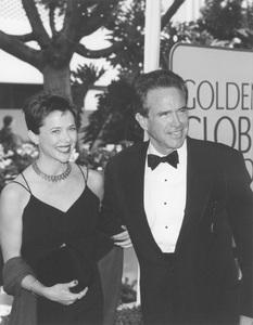"""""""Golden Globe Awards: 53rd Annual""""Annette Bening, Warren Beatty1996**I.V. - Image 21471_0001"""