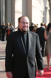 """""""Emmy - Creative Art Awards""""9-13-2003James LiptonPhoto by Sam Kweskin - Image 21501_0050"""