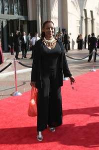 """""""Emmy - Creative Art Awards""""9-13-2003CCH PounderPhoto by Sam Kweskin - Image 21501_0063"""