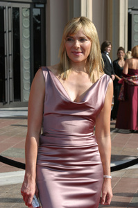 """Emmy - Creative Art Awards""9-13-2003Kim CattrallPhoto by Sam Kweskin - Image 21501_0083"