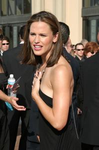 """""""Emmy - Creative Art Awards""""9-13-2003Jennifer GarnerPhoto by Sam Kweskin - Image 21501_0231"""