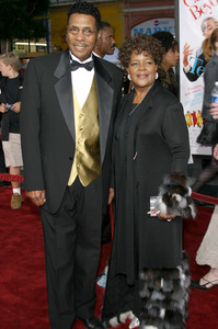 """""""The Fighting Temptations"""" Premiere9-17-2003Reverend Shirley Caesar and husbandPhoto by Sam Kweskin - Image 21512_0024"""