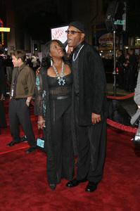 """""""The Fighting Temptations"""" Premiere9-17-2003Samuel L. Jackson and wife LaTonya RichardsonPhoto by Sam Kweskin - Image 21512_0098"""
