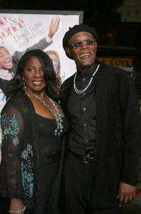 """""""The Fighting Temptations"""" Premiere9-17-2003Samuel L. Jackson and wife LaTonya RichardsonPhoto by Sam Kweskin - Image 21512_0103"""