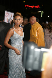 """The Fighting Temptations"" Premiere9-17-2003Beyonce KnowlesPhoto by Sam Kweskin - Image 21512_0129"