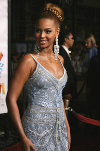 """""""The Fighting Temptations"""" Premiere9-17-2003Beyonce KnowlesPhoto by Sam Kweskin - Image 21512_0138"""