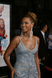 """The Fighting Temptations"" Premiere9-17-2003Beyonce KnowlesPhoto by Sam Kweskin - Image 21512_0139"