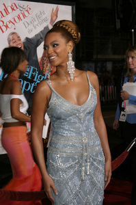 """The Fighting Temptations"" Premiere9-17-2003Beyonce KnowlesPhoto by Sam Kweskin - Image 21512_0140"