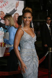 """""""The Fighting Temptations"""" Premiere9-17-2003Beyonce KnowlesPhoto by Sam Kweskin - Image 21512_0141"""