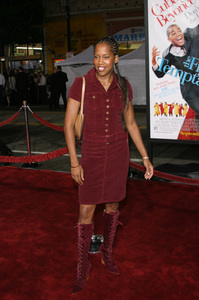 """The Fighting Temptations"" Premiere9-17-2003Regina KingPhoto by Sam Kweskin - Image 21512_0150"