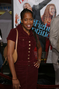 """The Fighting Temptations"" Premiere9-17-2003Regina KingPhoto by Sam Kweskin - Image 21512_0154"