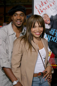 """""""The Fighting Temptations"""" Premiere9-17-2003Duane Martin and wife Tisha Campbell-MartinPhoto by Sam Kweskin - Image 21512_0165"""