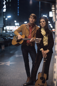 Glen Campbell and Bobbie Gentry1970 © 1978 Gunther - Image 2153_0021