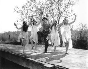 """Sunnyside""Charlie Chaplin1919**I.V. - Image 21543_0001"