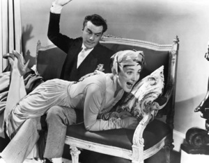 """""""Doctor At Large""""Dirk Bogarde, Barbara Murray1957 Universal**I.V. - Image 21561_0001"""
