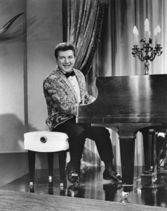 """""""When the Boys Meet the Girls""""Liberace1965 MGM**I.V. - Image 21581_0001"""