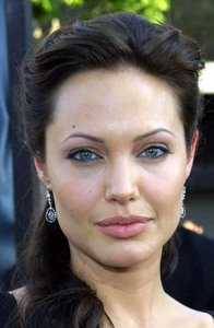 """ Lara Croft Tomb Raider: The Cradle of Life"" 07/21/03Angelina Jolie MPTV  - Image 21590_0002"