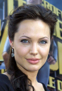 """ Lara Croft Tomb Raider: The Cradle of Life"" 07/21/03Angelina Jolie MPTV  - Image 21590_0003"