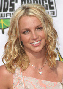 """""""Nickelodeons 16th Annual Kids Choice Awards""""4/12/03Britney Spears MPTV - Image 21590_0014"""