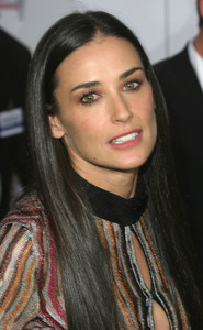 """""""Charlies Angels: Full Throttle"""" Premiere 6/18/03Demi Moore MPTV - Image 21590_0082"""