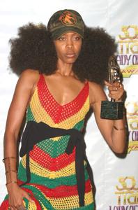 """9th Annual Soul Train Lady of Soul Awards""08/23/03Erikah Badu MPTV - Image 21590_0157"