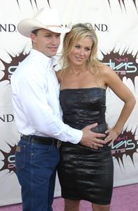 """VH1 Divas Duets"" 5-22-03Jewel & Ty Murray MPTV - Image 21590_0174"