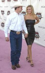 """VH1 Divas Duets"" 5-22-03Jewel & Ty Murray MPTV - Image 21590_0175"