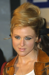 """Cars, Stars, & Oscars"" 3-18-03GM Celebrity Fashion ShowJewelMPTV - Image 21590_0176"