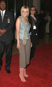 """""""5th Annual Family Television Awards"""" 8-14-03Ashlee SimpsonMPTV - Image 21590_0190"""
