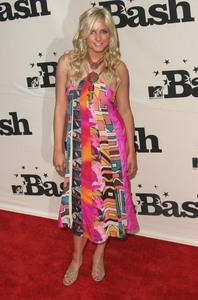 """""""1st Annual MTV Bash"""" 6-28-03Ashlee Simpson MPTV - Image 21590_0192"""