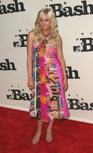 """""""1st Annual MTV Bash"""" 6-28-03Ashlee Simpson MPTV - Image 21590_0193"""